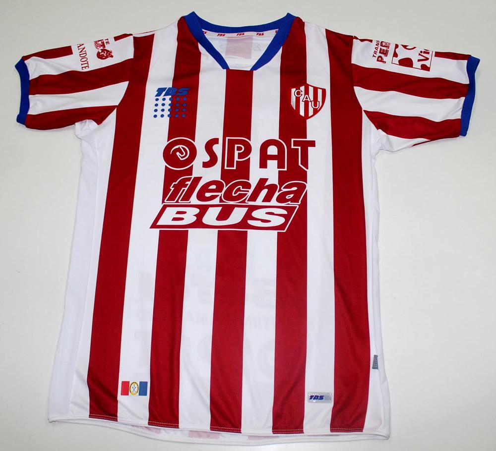 Camiseta titular | Foto Facebook Oficial