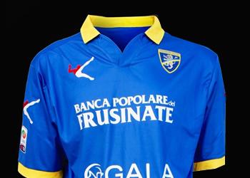 Camiseta suplente del Frosinone   Foto Web Oficial