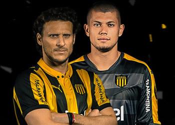 Los jugadores con la casaca titular | Foto Twitter Oficial