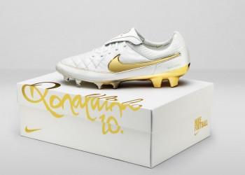 "Tiempo Legend ""Touch Of Gold"" de Ronaldinho | Foto Nike"