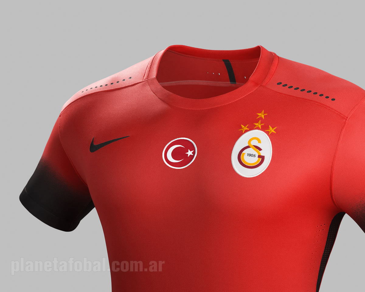 "Camiseta ""Night Rising"" del Galatasaray para 2015/2016 