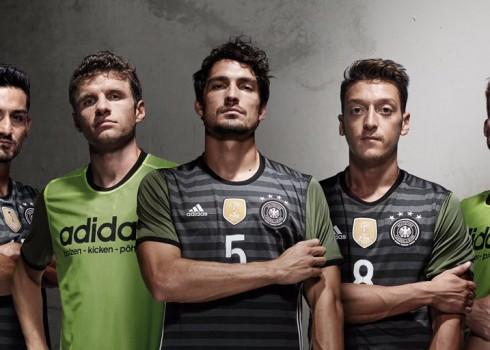 Casaca suplente de Alemania | Foto Adidas