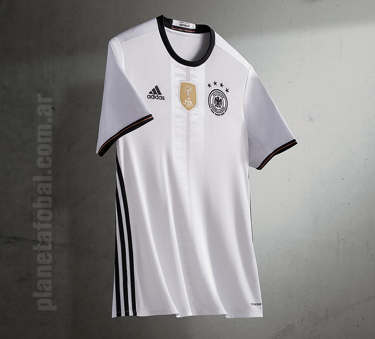 Nueva camiseta titular de Alemania | Foto Adidas