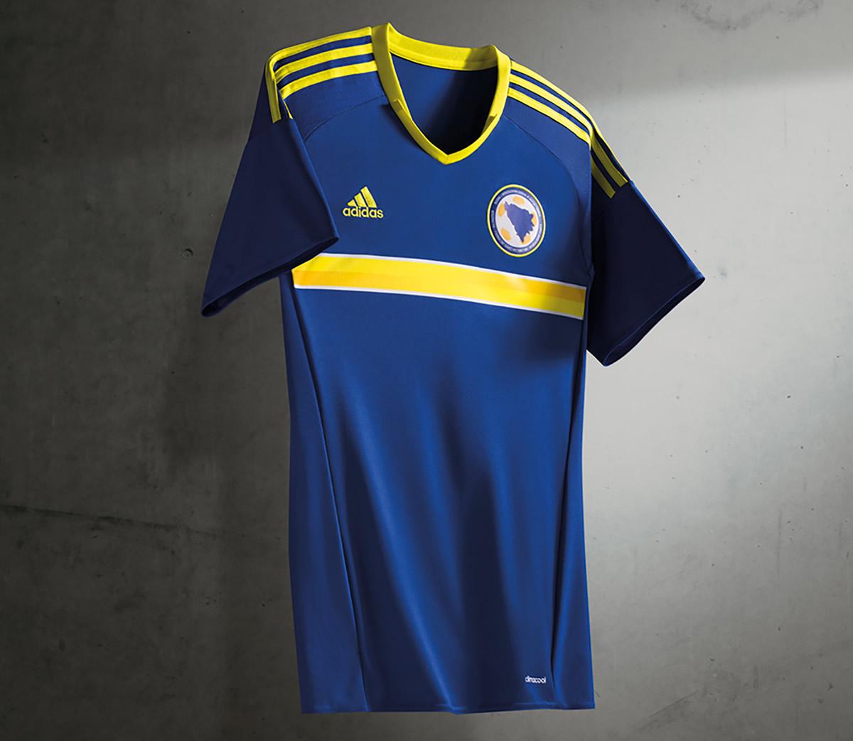 Camiseta titular de Bosnia & Herzegovina | Foto Adidas