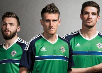 Camiseta titular de Irlanda del Norte para la Euro 2016 | Foto Adidas