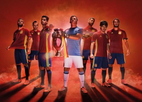 Nueva camiseta de España   Foto Adidas