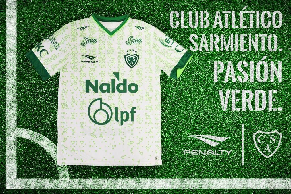 Camiseta suplente de Sarmiento | Foto Penalty