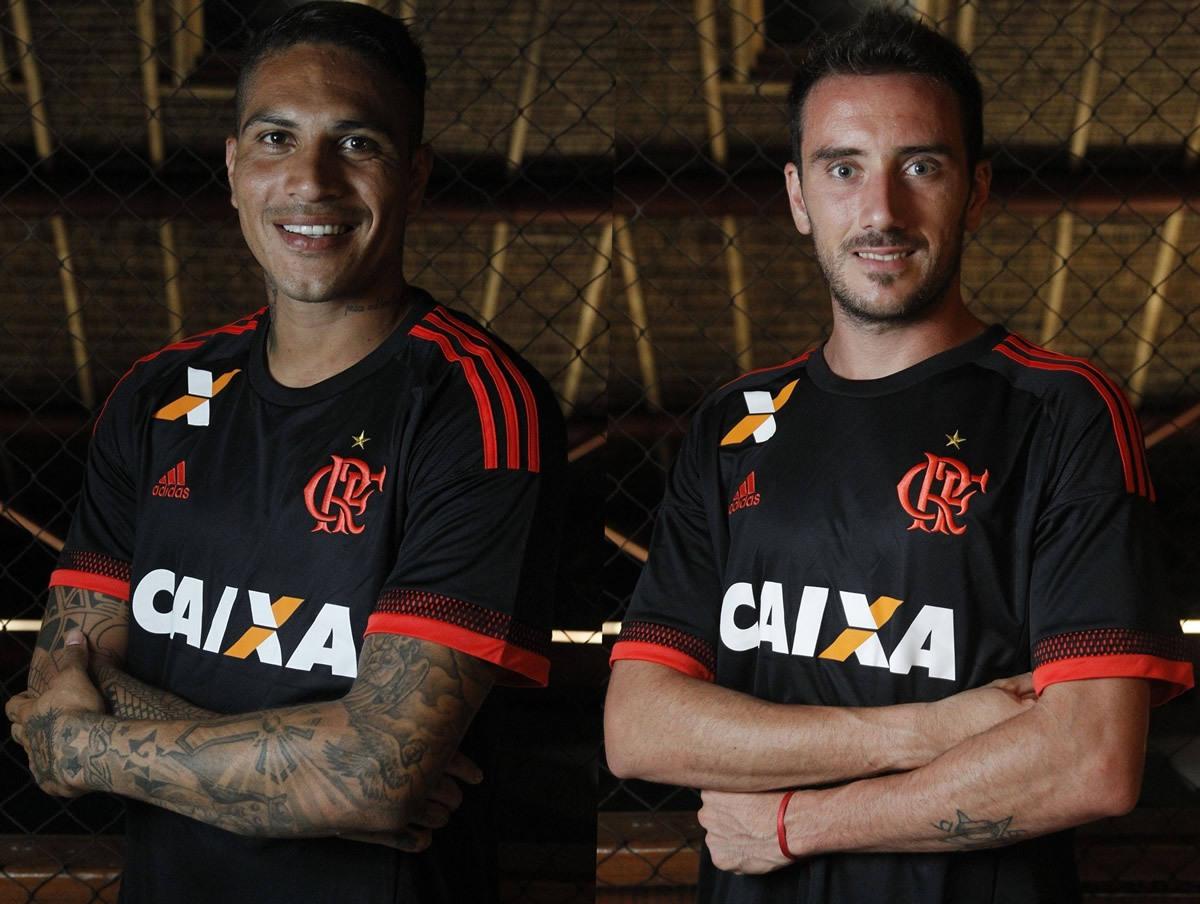 Paolo Guerrero y Mancuello con la tercera camiseta de Flamengo | Foto web oficial