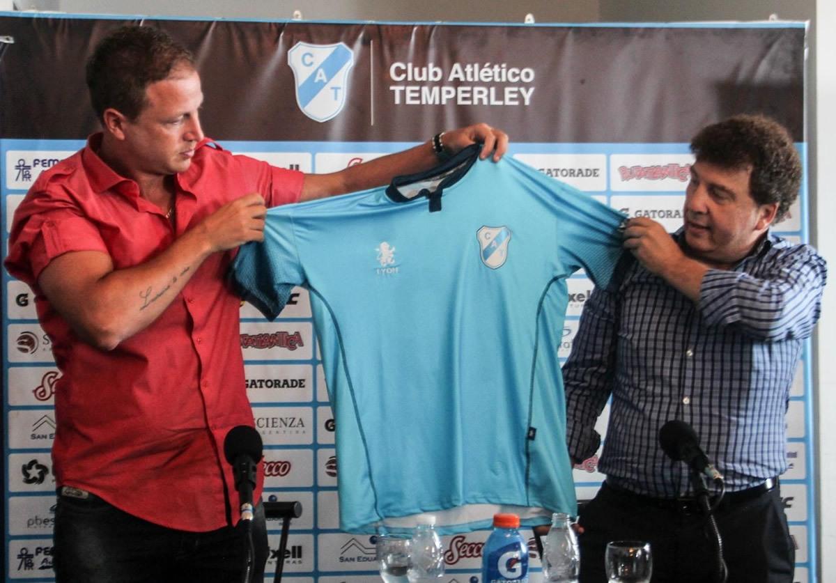 Nueva casaca de Temperley | Foto Facebook Oficial