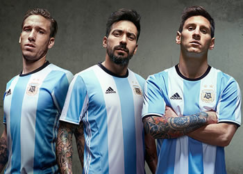 Biglia, Lavezzi y Messi con la casaca | Foto Adidas
