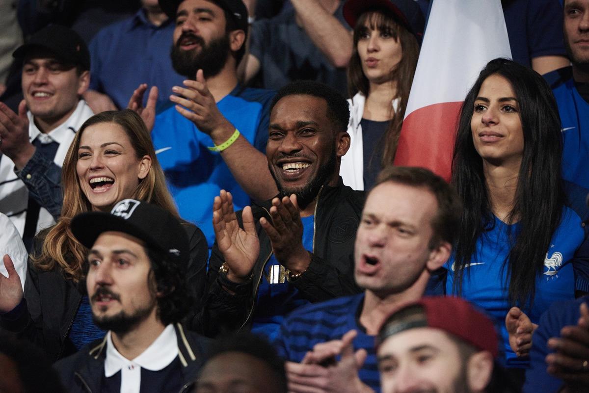 "Jay-Jay Okocha en el anuncio ""Enflamme le jeu"" | Foto Nike"