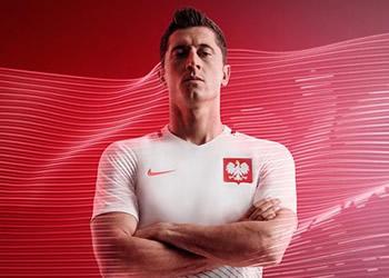 Lewandowski con la casaca titular de Polonia | Foto Nike
