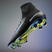 Nueva generación de los Mercurial Superfly versión negra   Foto Nike