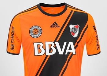 Camiseta naranja de River | Foto Tienda Oficial