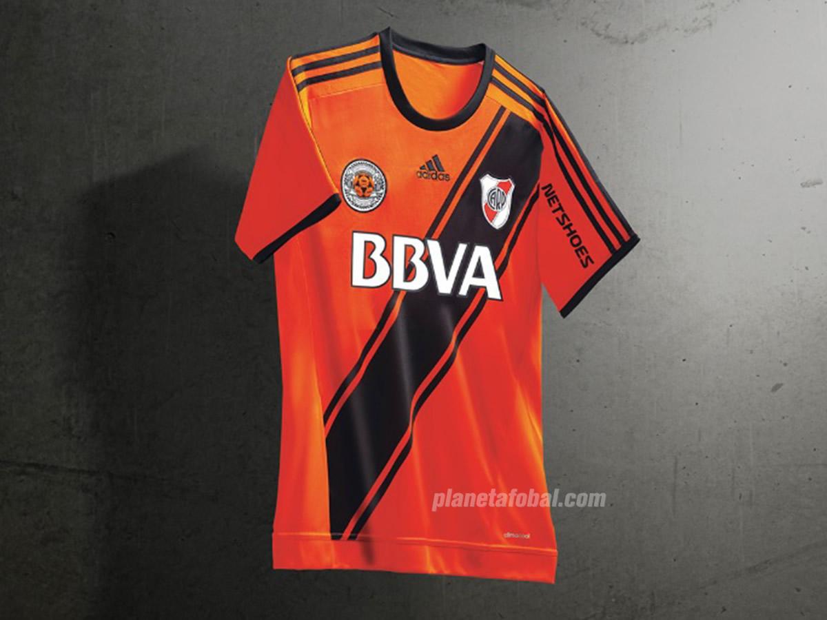 Camiseta naranja de River | Foto Adidas
