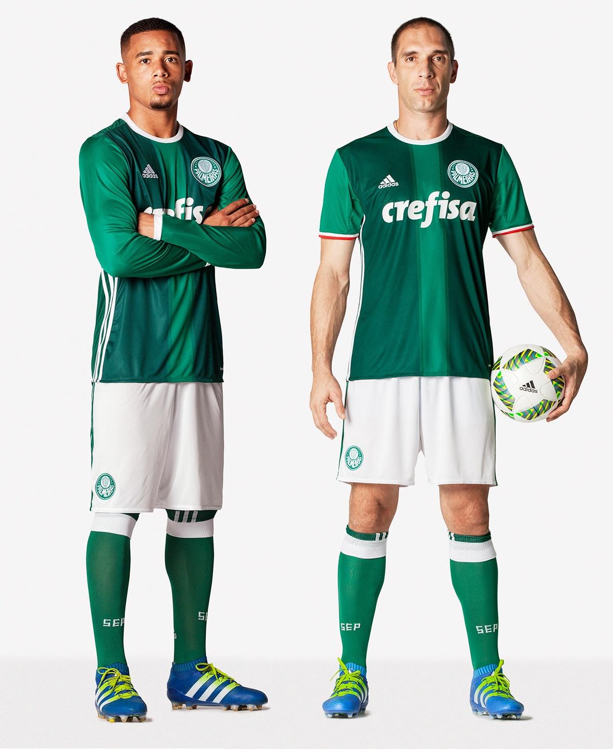 Gabriel Jesús y Fernando Prass con la nueva camiseta del Palmeiras | Foto Adidas
