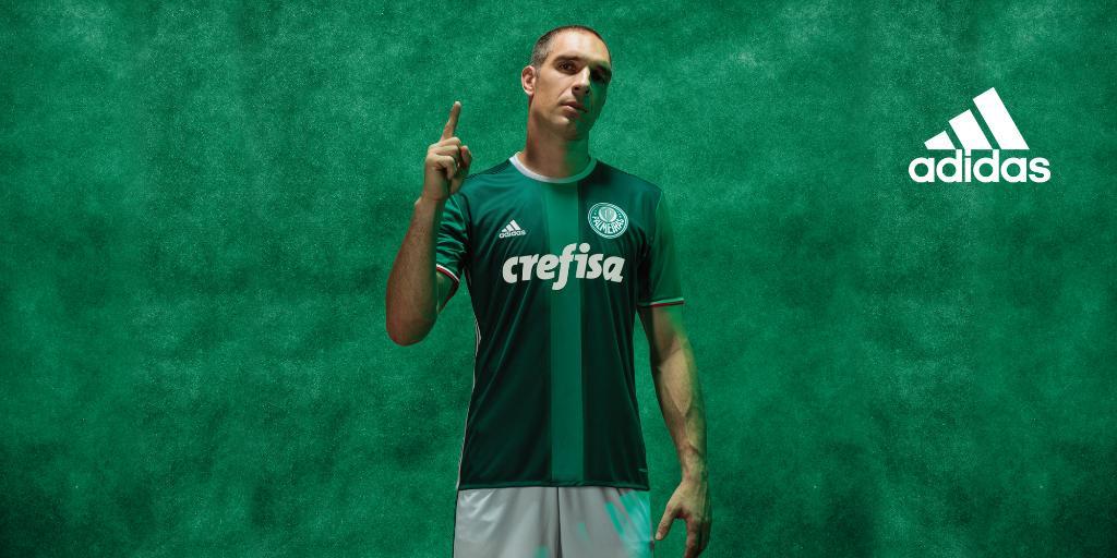 Fernando Prass con la nueva camiseta del Palmeiras | Foto Adidas