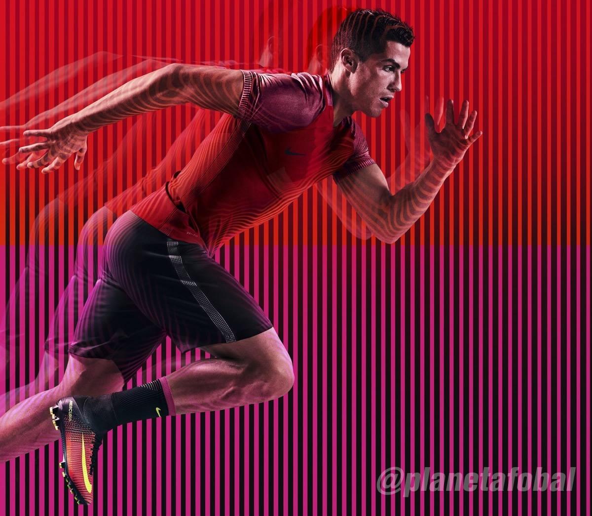 Cristiano Ronaldo con los nuevos Mercurial | Foto Nike