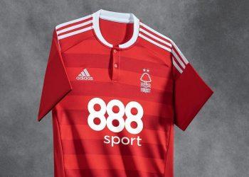 Casaca titular del Nottingham Forest | Foto Web Oficial