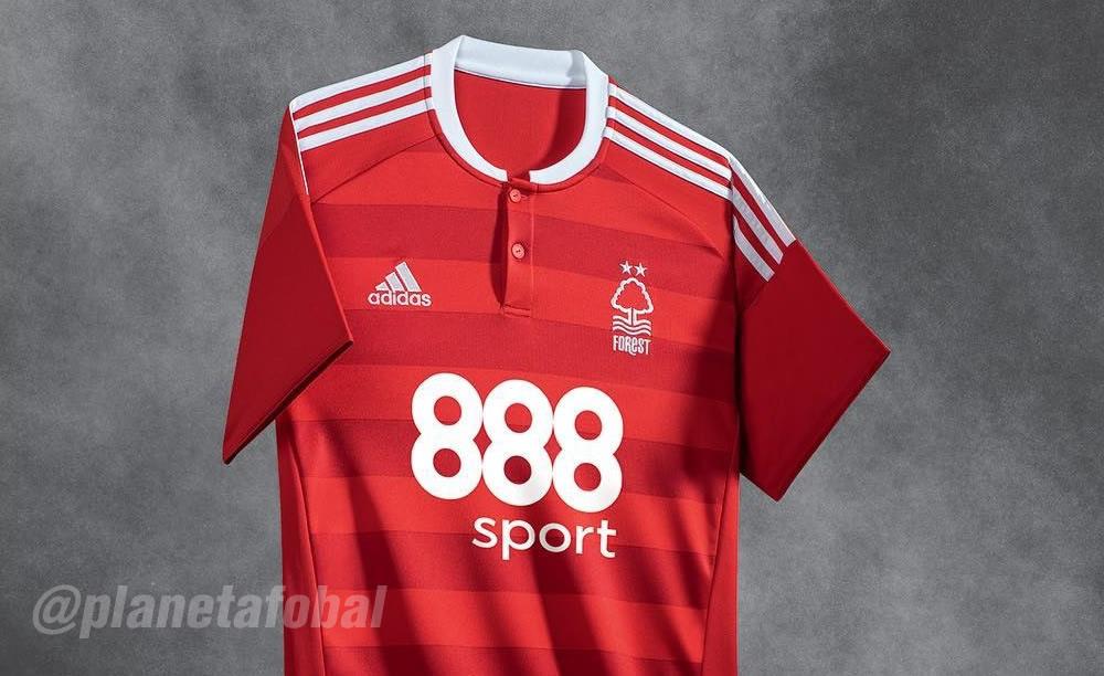 Casaca titular del Nottingham Forest   Foto Web Oficial