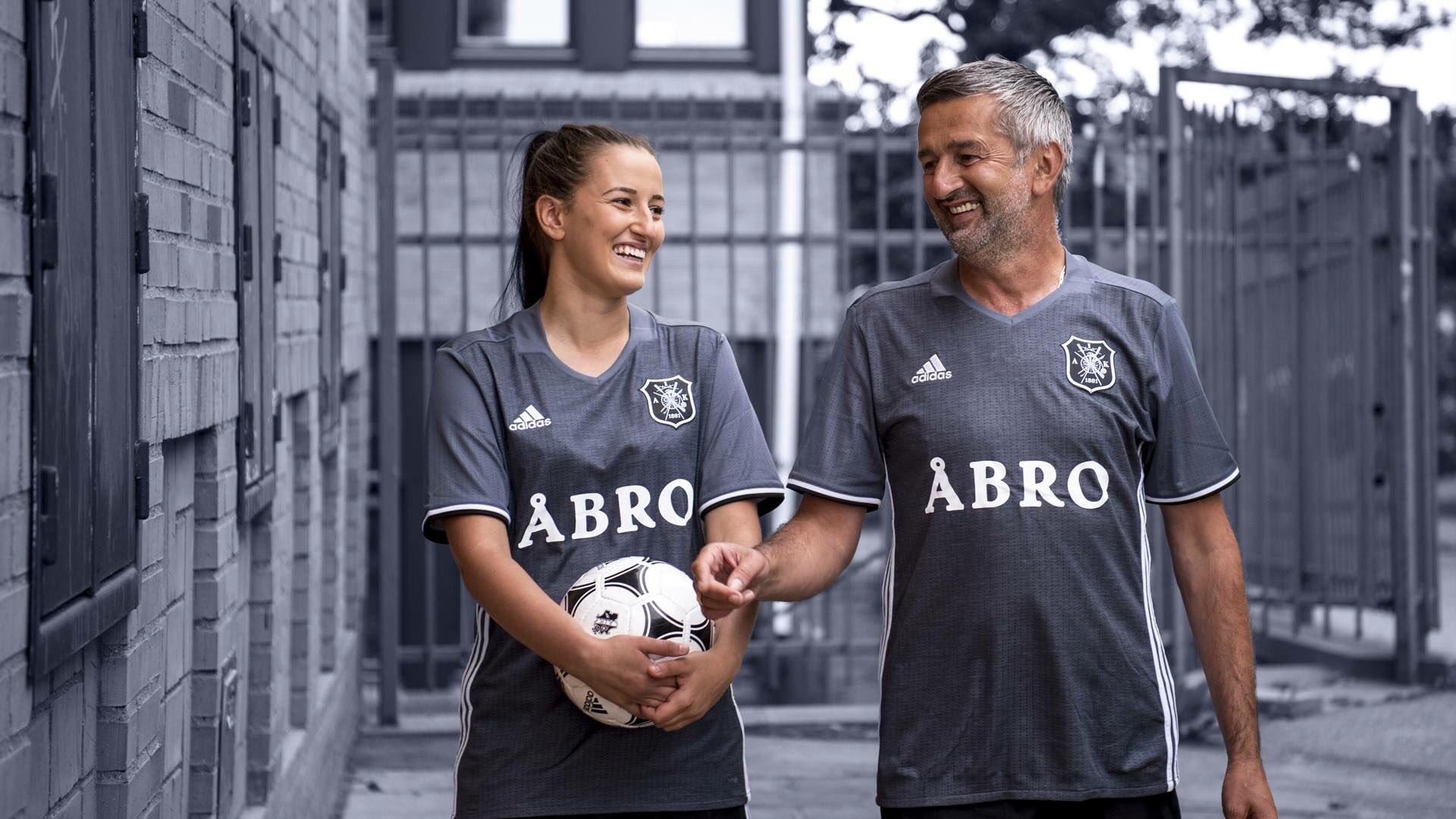 Camiseta Adidas del AIK Solna por sus 125 años | Foto web oficial