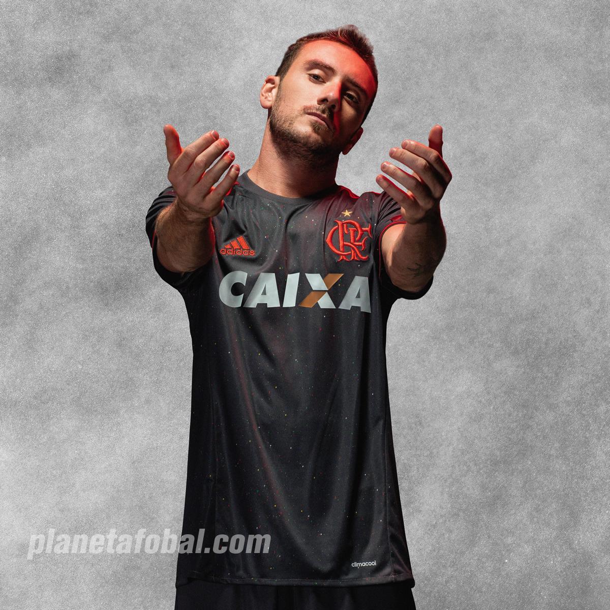 Mancuello con la casaca especial del Flamengo | Foto Adidas