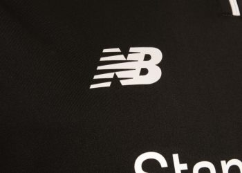 Camiseta suplente New Balance del Liverpool FC | Imagen Tienda Oficial