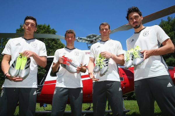 Ozil, Müller, Neuer y Hummels con sus botines | Foto Adidas