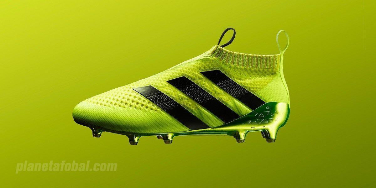 404b9451d6601 Adidas utiliza el marco comodidad suela probada en el campo de las botas de f煤tbol  Adidas adiPure 11Pro . La suela de tierra firme de la nueva Adidas Gloro