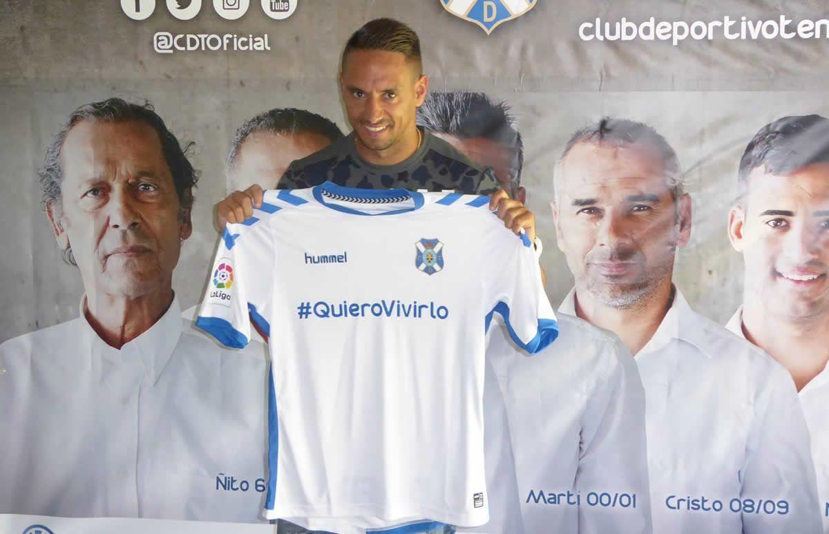 Camiseta titular del Tenerife | Foto Web Oficial