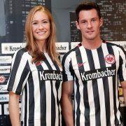Casaca titula del Eintracht Frankfurt   Foto Web Oficial