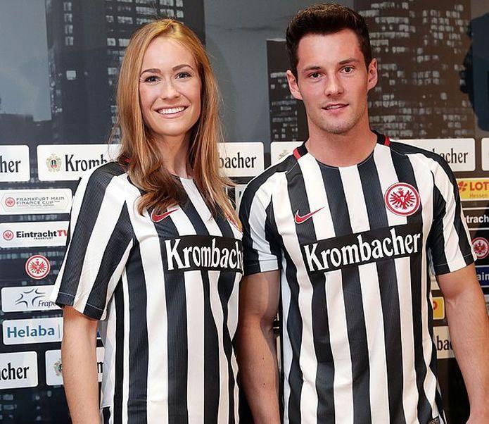 Casaca titula del Eintracht Frankfurt | Foto Web Oficial