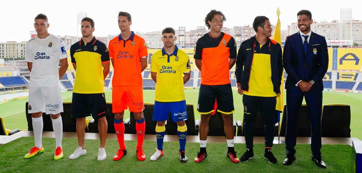 UD Las Palmas presentó sus nuevas camisetas Acerbis para 2016/2017 | Foto web oficial