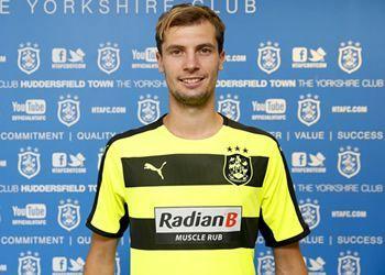 Camiseta suplente del Huddersfield Town | Foto Web Oficial