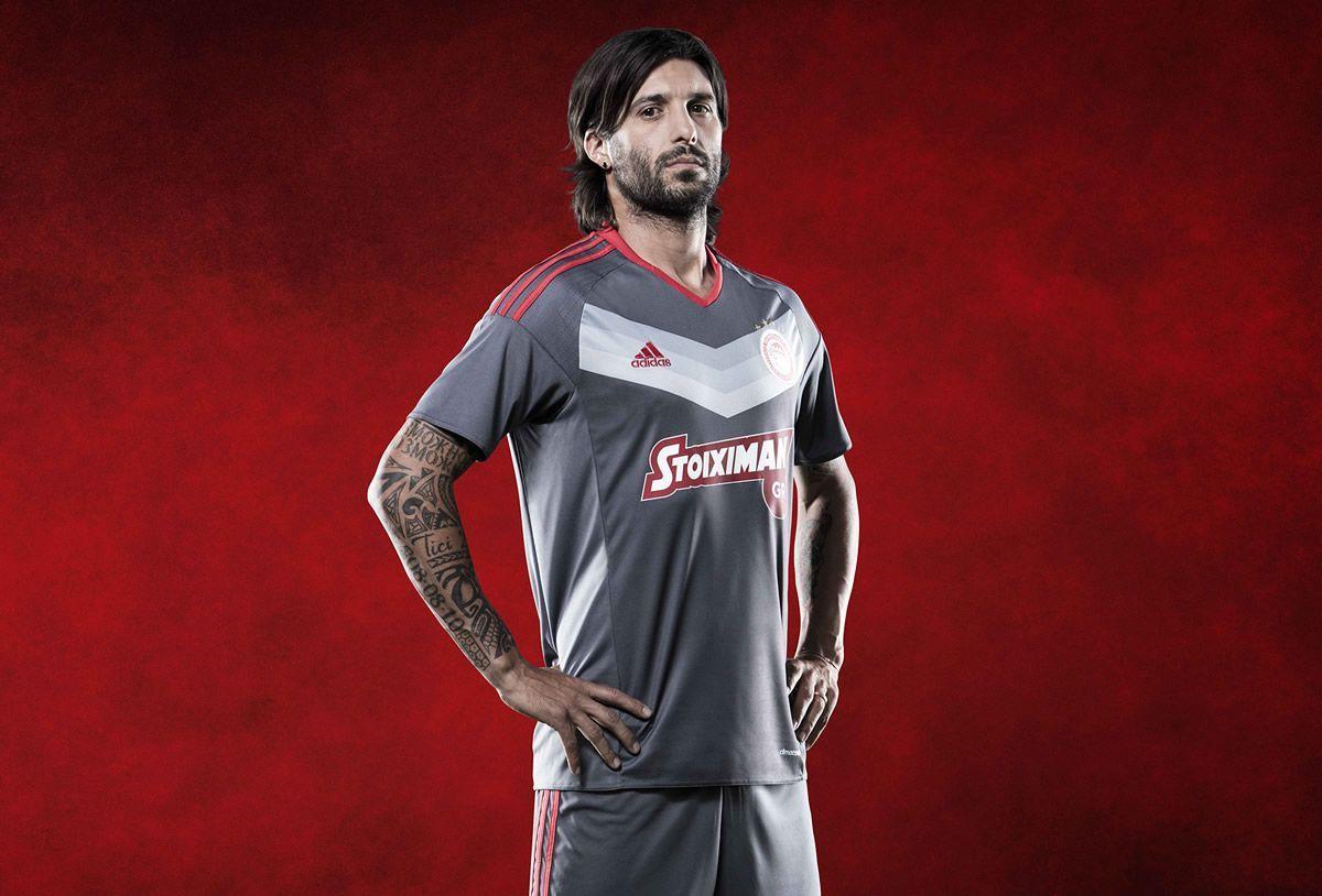 Chori Dominguez con la camiseta | Foto Adidas