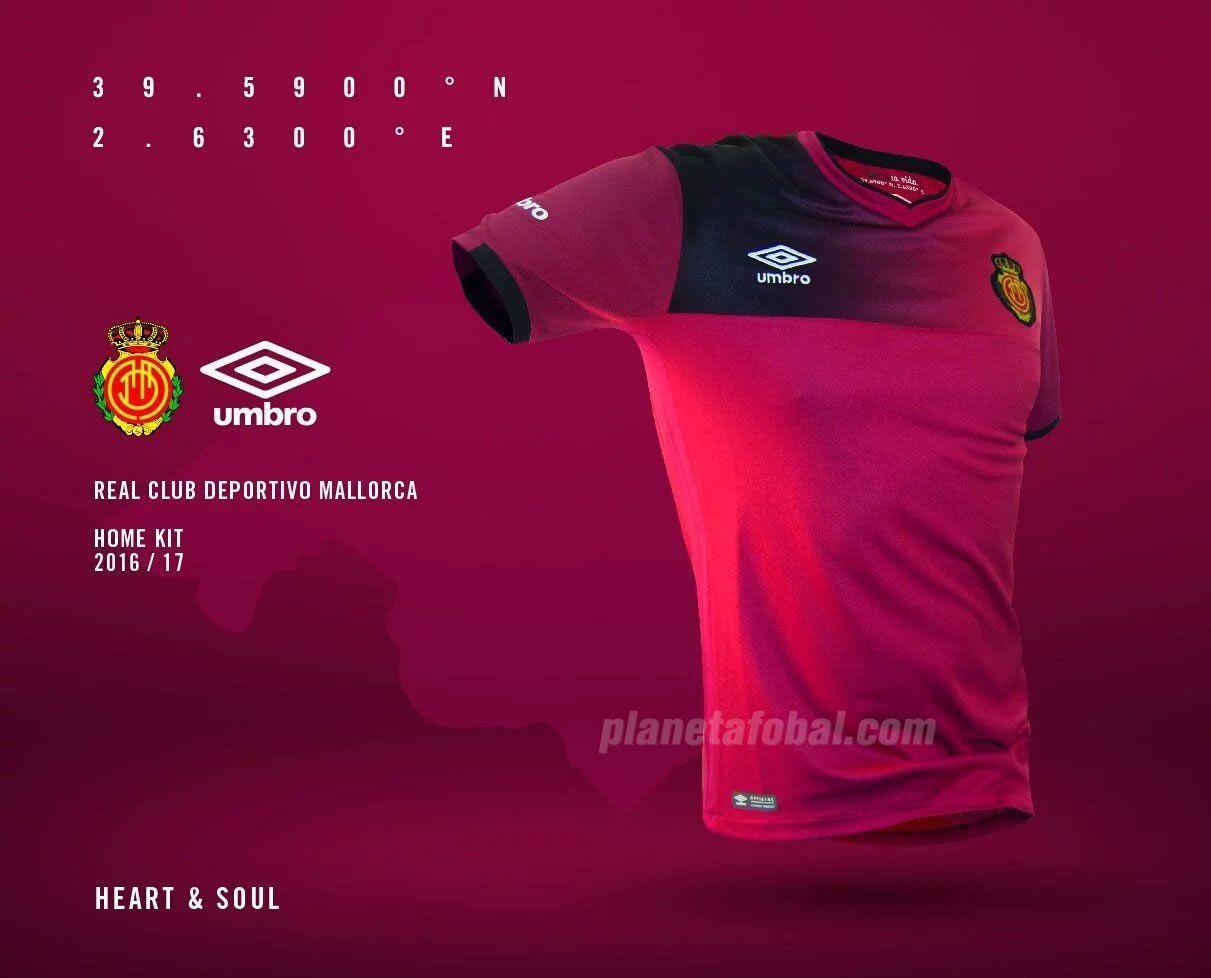 Camiseta titular del Mallorca | Foto Umbro