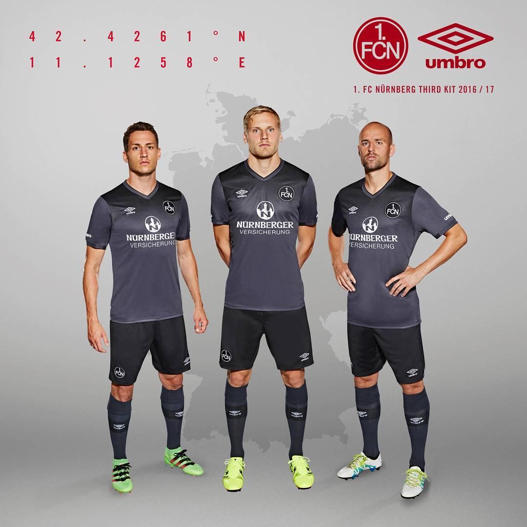 Tercera casaca del FC Nürnberg   Foto Umbro