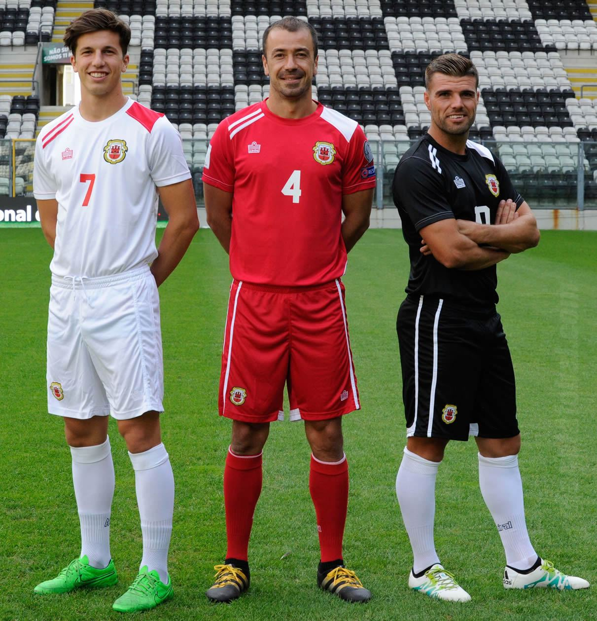 Camisetas Admiral de Gibraltar | Foto Web Oficial