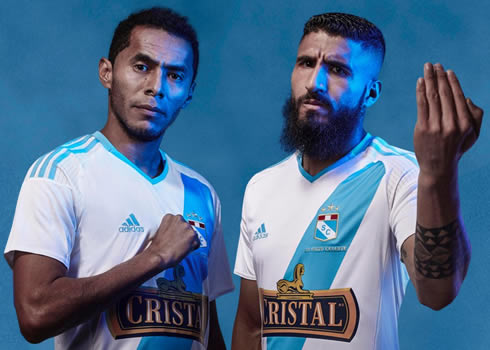 Nueva casaca del Sporting Cristal | Foto Web Oficial