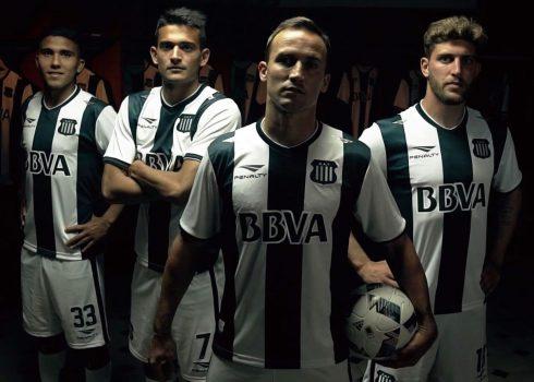 Nueva camiseta Penalty de Talleres para 2016/2017 | Foto Facebook Oficial