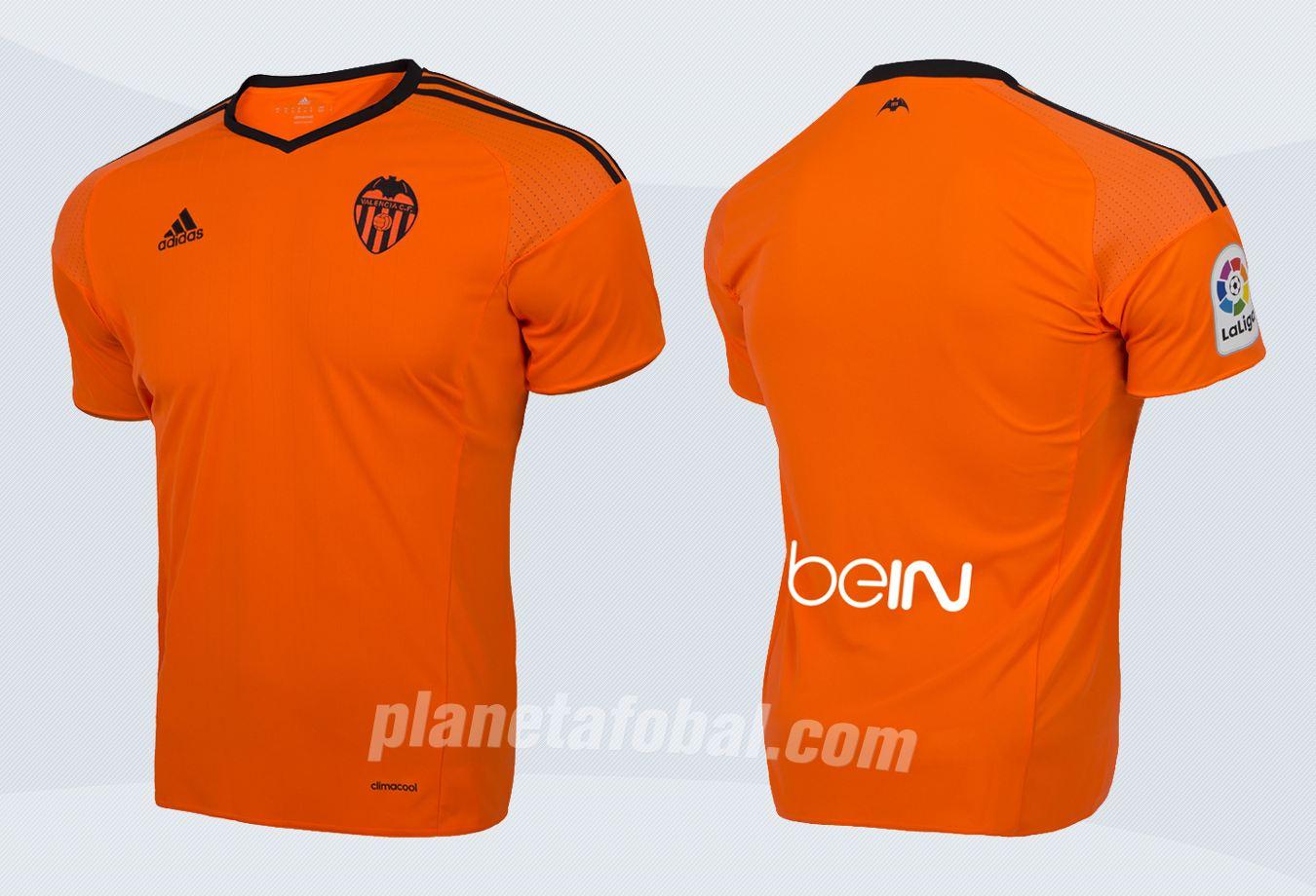 Nueva camiseta del Valencia | Imágenes Web Oficial