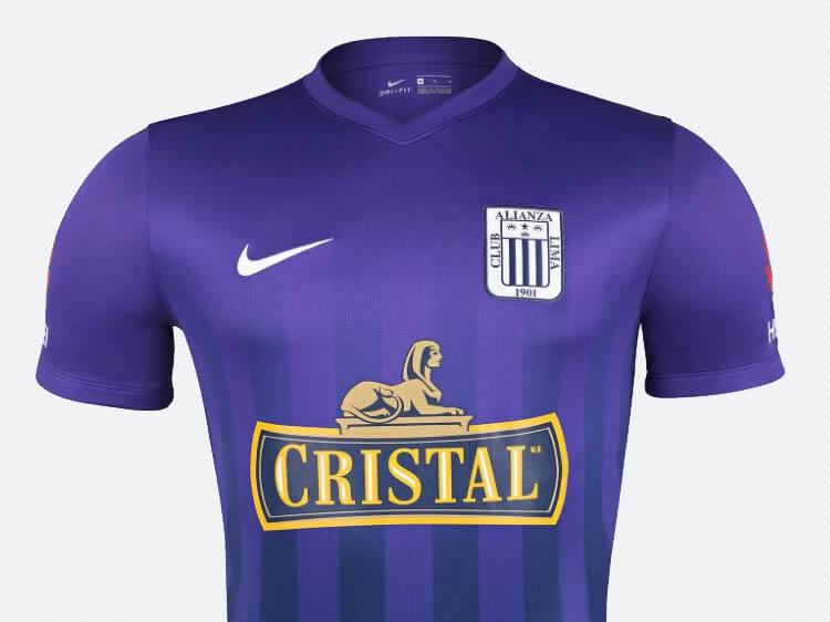 Nueva camiseta morada de Alianza Lima  326e9964bced8