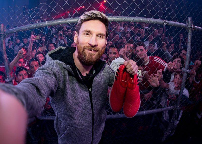Messi con la versión Red Limit de sus botines | Foto Adidas