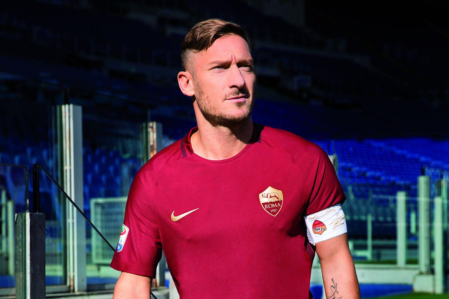 Francesco Totti con la casaca | Foto Nike
