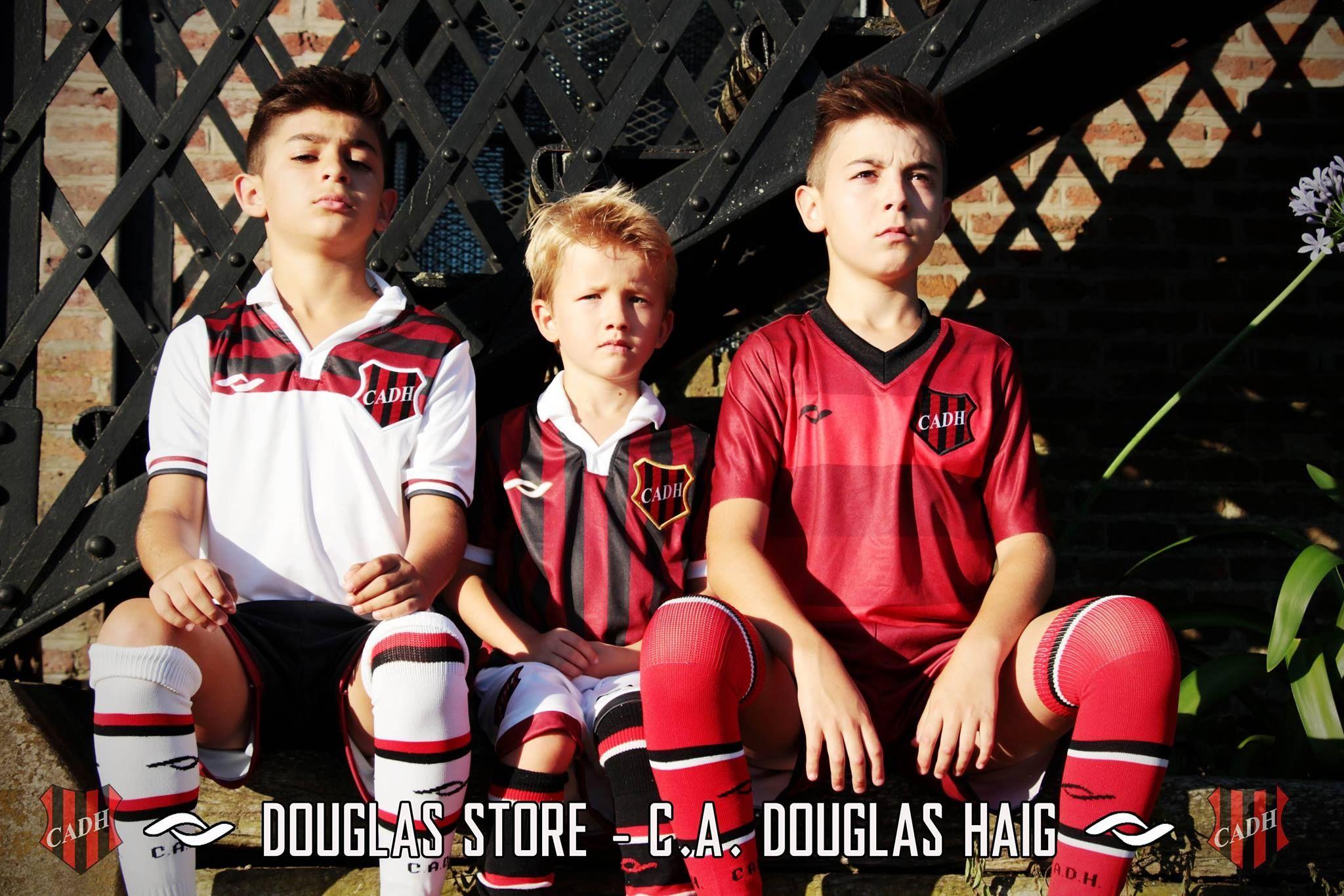 Nuevas camisetas de Douglas Haig | Foto Facebook Oficial