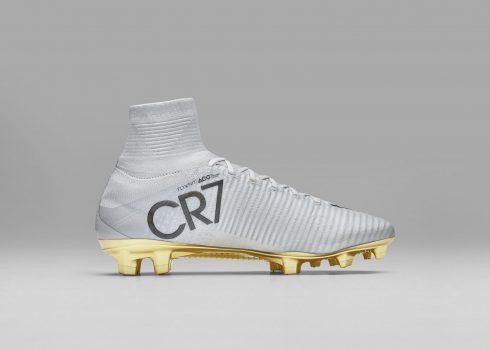 Botines especial de Cristiano Ronaldo   Foto Nike