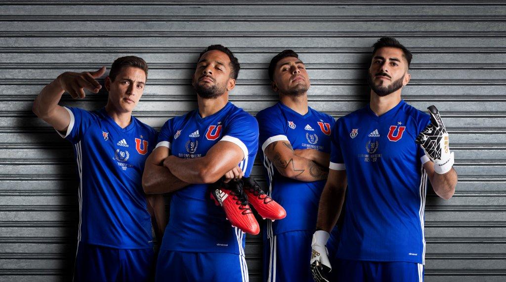 Camiseta por los 90 años de la U de Chile | Foto Adidas