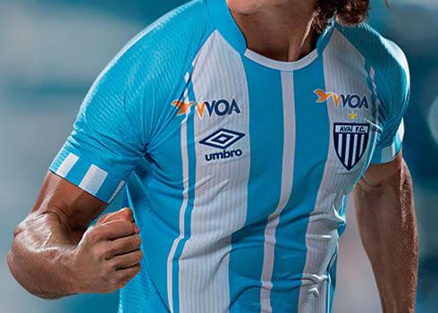 Camiseta titular del Avaí FC   Foto Umbro