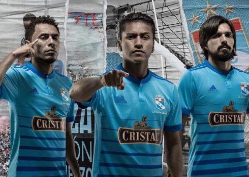 Nueva camiseta titular del Sporting Cristal   Foto Twitter Oficial