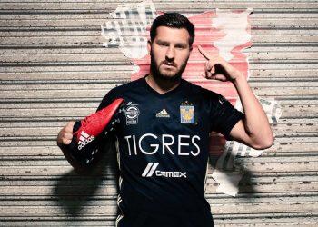 Gignac con la nueva camiseta alternativa Adidas de Tigres | Foto Twitter Oficial